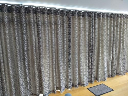 wave Curtains 01